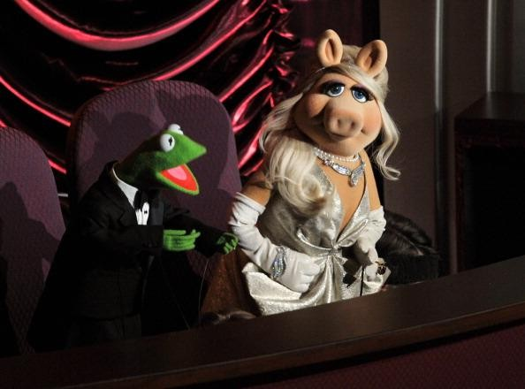 Muppets and Cirque Du Soleil Appear at the Oscars 2012