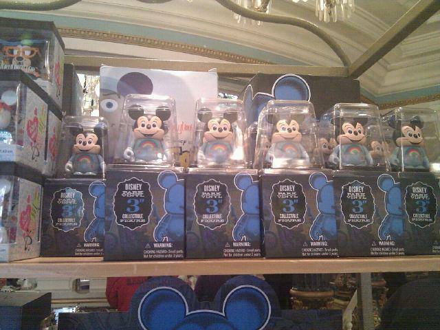Vinylmation Park Series 8 makes it to Disneyland Paris