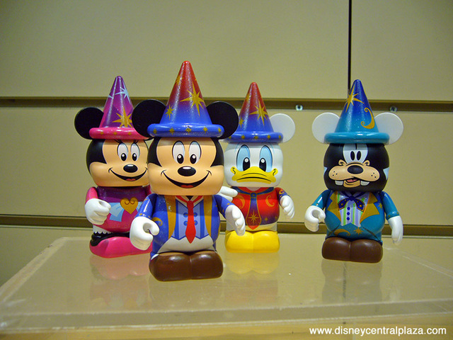 FIRST LOOK: Disneyland Paris 20th Anniversary Vinylmation